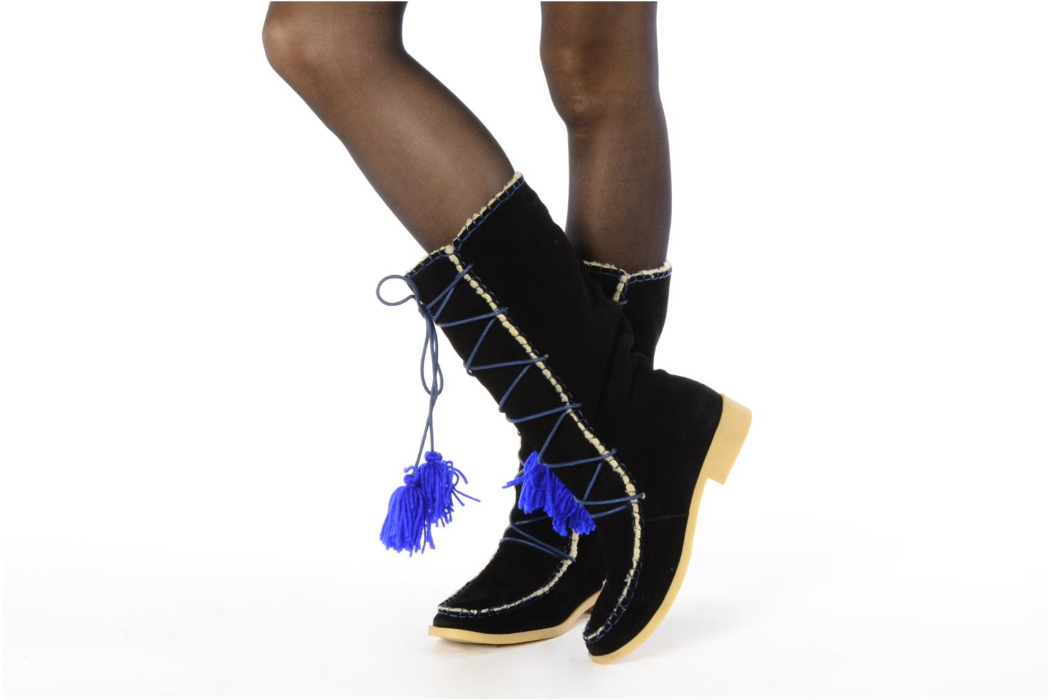 Boots & wellies Mellow Yellow Kenou Black view from underneath / model view