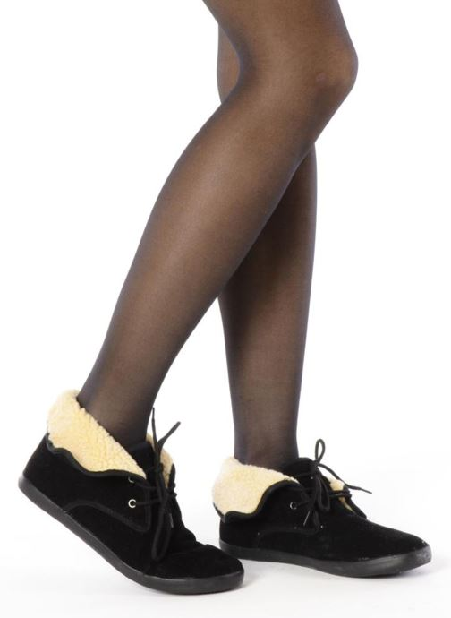 Lace-up shoes I Love Shoes Ronnie Black view from underneath / model view
