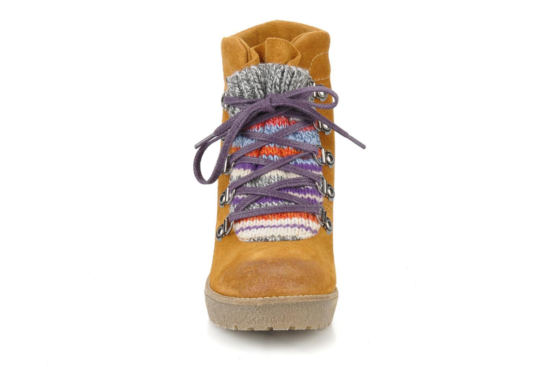 Bottines et boots Mikaela Elfort Marron vue portées chaussures
