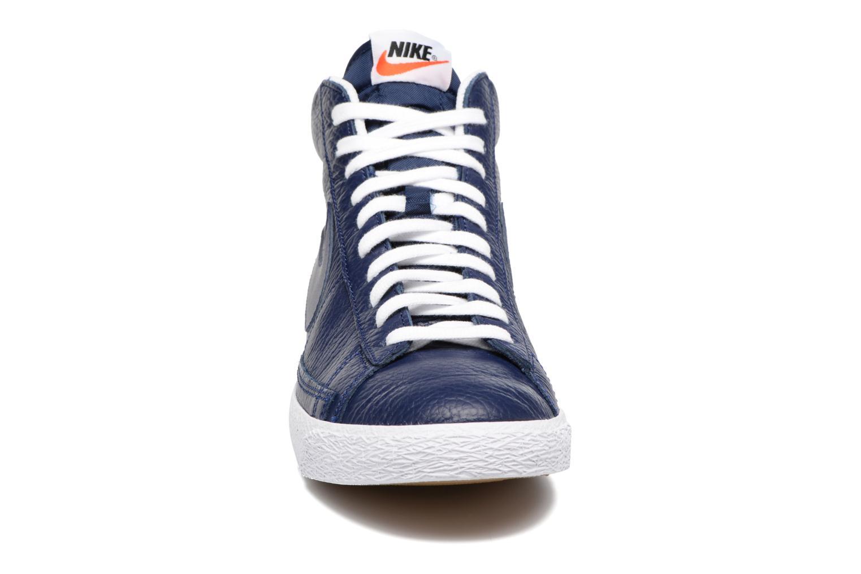 Baskets Nike Blazer mid prm Bleu vue portées chaussures