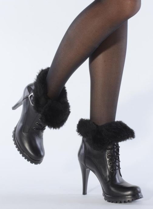 Ankle boots Eden Micho Black view from underneath / model view