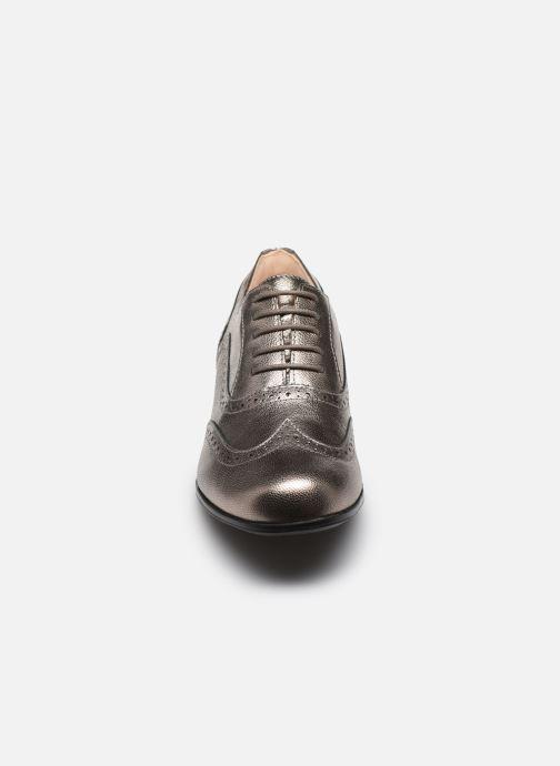 Scarpe con lacci Clarks Hamble oak Argento modello indossato