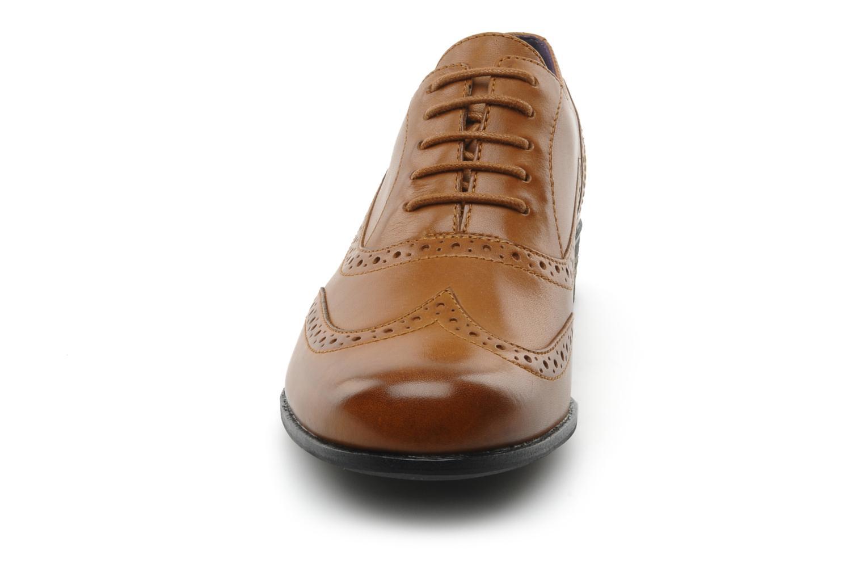 Lace-up shoes Clarks Hamble oak Brown model view