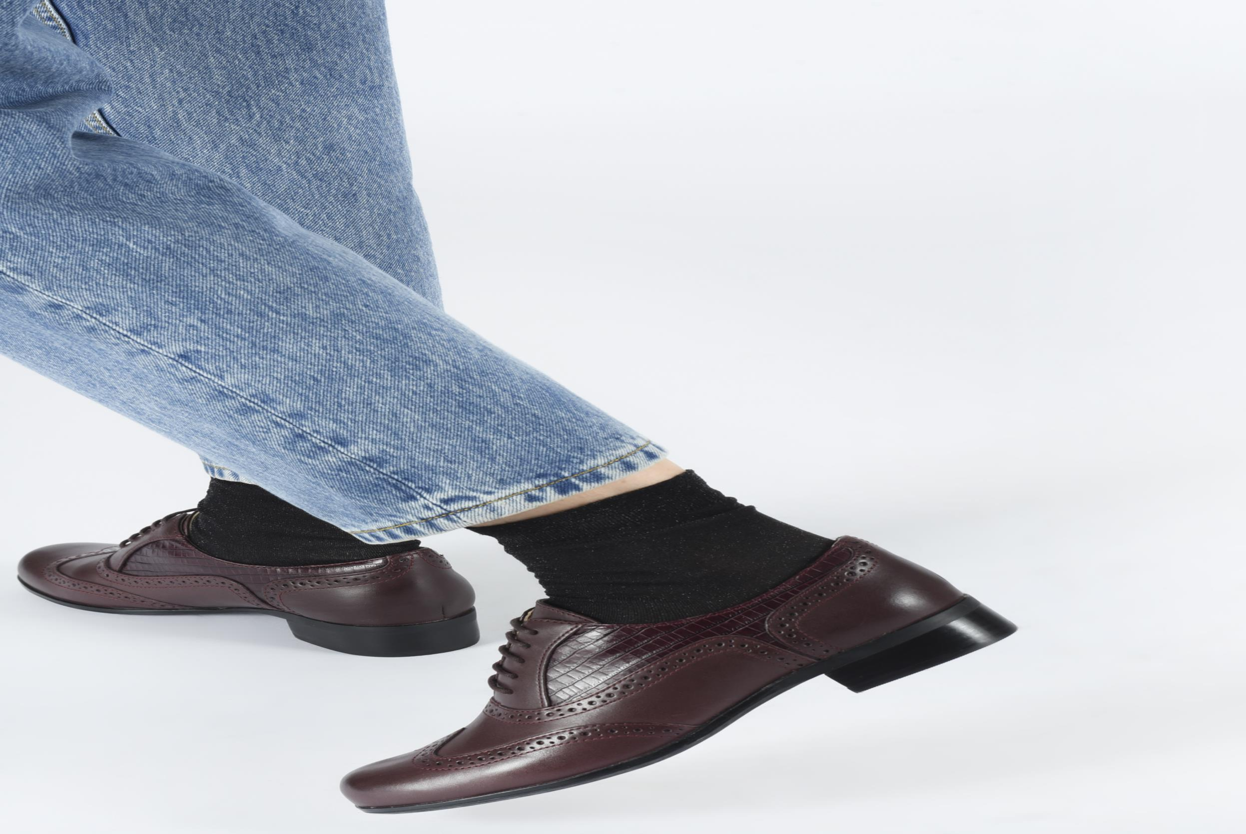 Lace-up shoes Clarks Hamble oak Brown view from underneath / model view