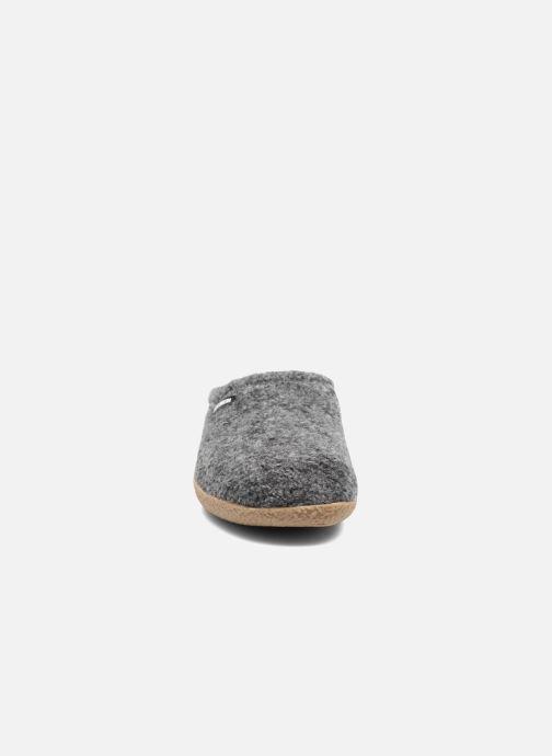 Chaussons Giesswein Veitsch Gris vue portées chaussures