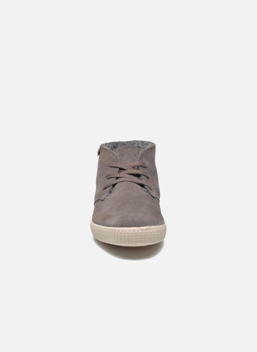 Baskets Victoria Safari serraje W Gris vue portées chaussures