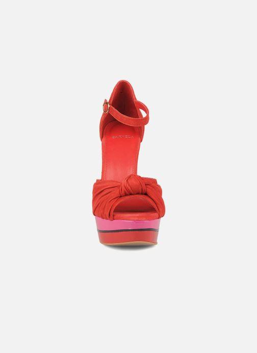 Sandales et nu-pieds Carvela Kennis Rouge vue portées chaussures