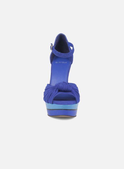 Sandales et nu-pieds Carvela Kennis Bleu vue portées chaussures