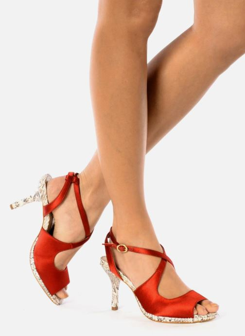 Sandals Studio TMLS Galine Red view from underneath / model view