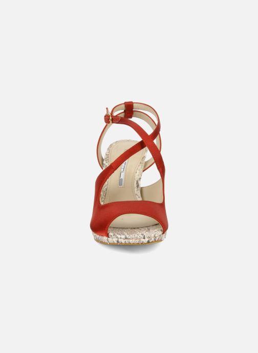 Sandali e scarpe aperte Studio TMLS Galine Rosso modello indossato