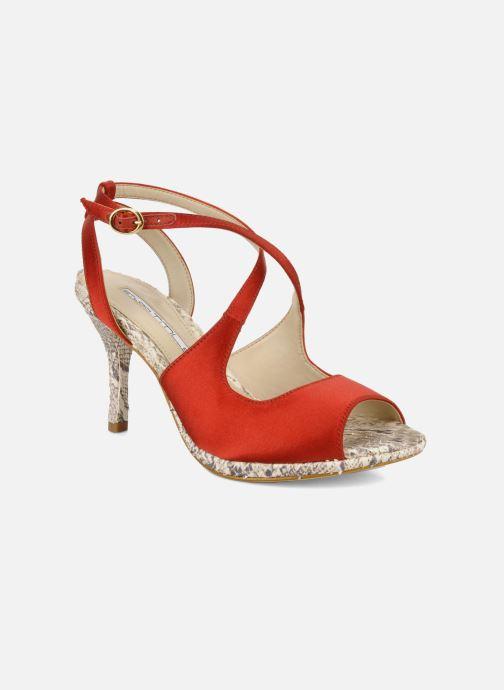 Sandals Studio TMLS Galine Red detailed view/ Pair view