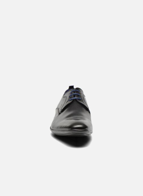 Scarpe con lacci Azzaro Giant Nero modello indossato