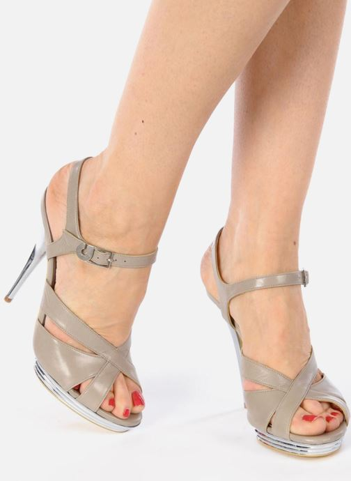 Sandals Charles Jourdan Marilyne Grey view from underneath / model view