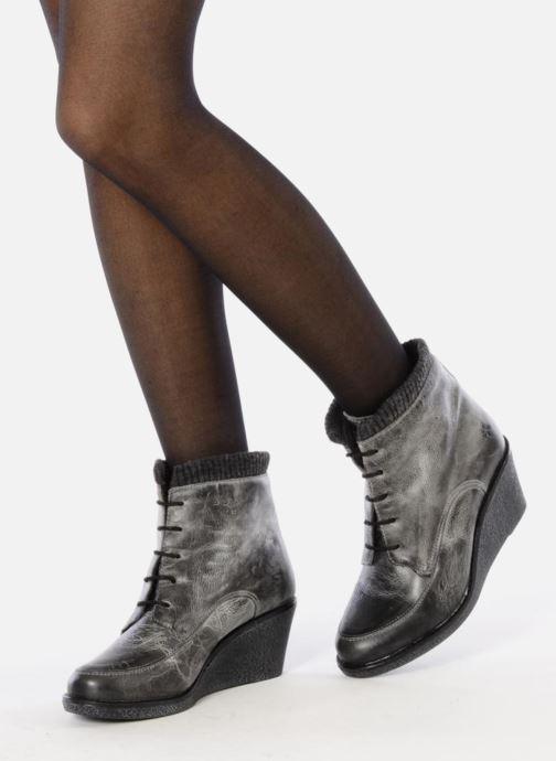 Bottines et boots Castaluna Mildred L Marron vue bas / vue portée sac