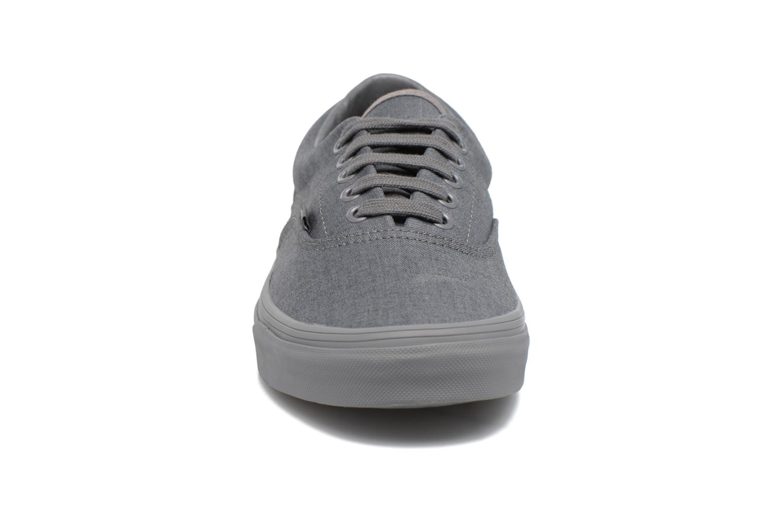 Sneaker Vans Era grau schuhe getragen