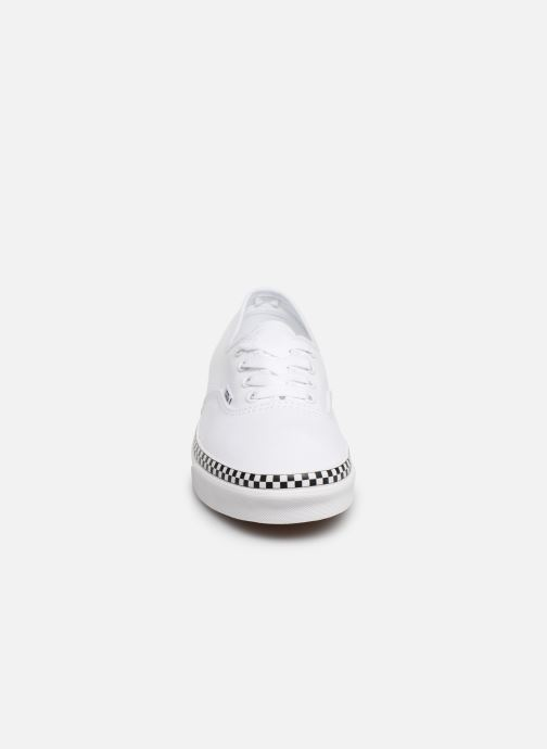 Deportivas Vans Authentic w Blanco vista del modelo