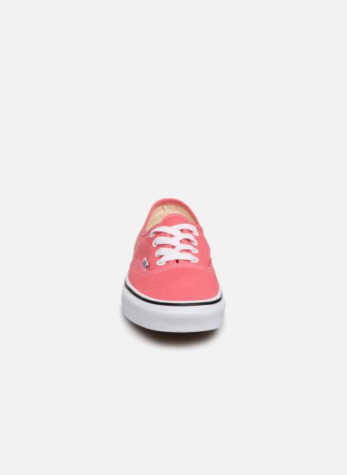 Sneakers Vans Authentic w Rosa modello indossato