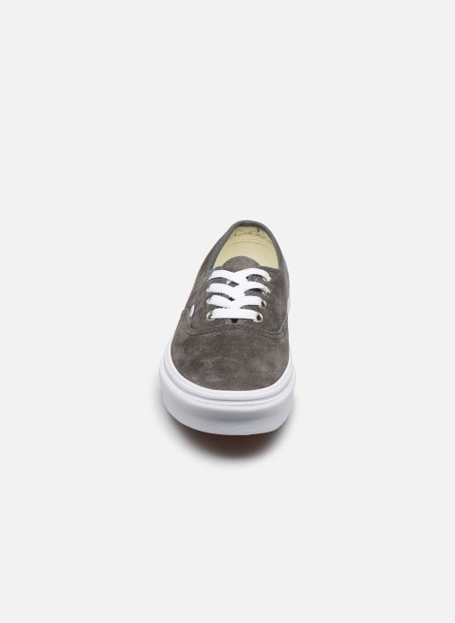 Sneakers Vans Authentic w Grigio modello indossato