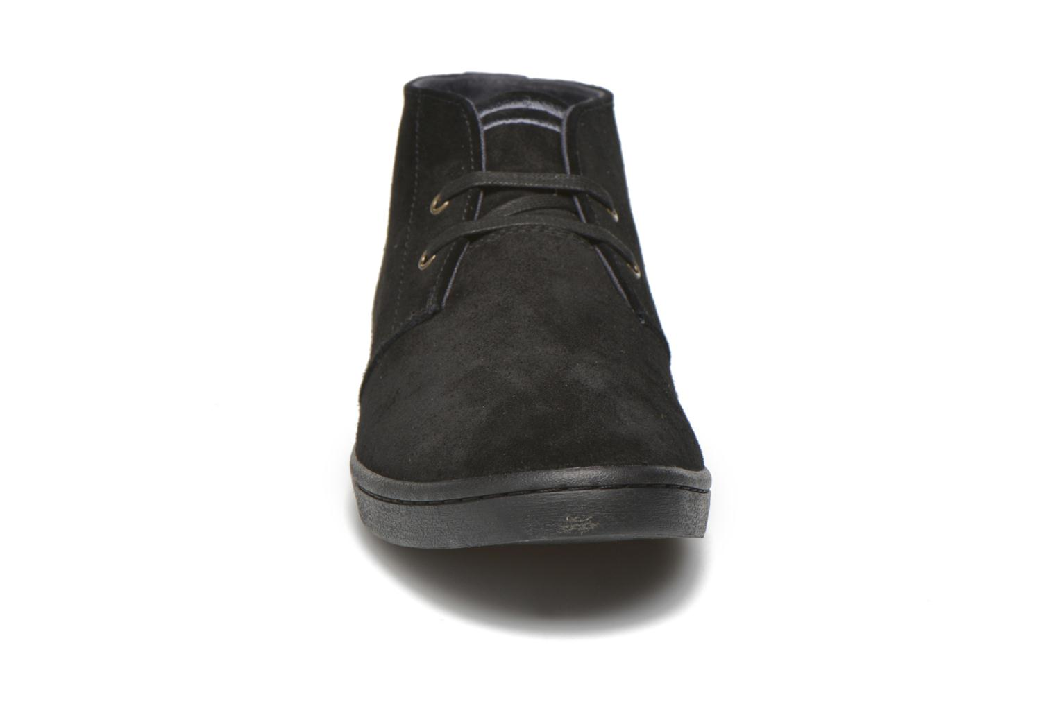 Sneakers Fred Perry Byron Mid Suede Zwart model