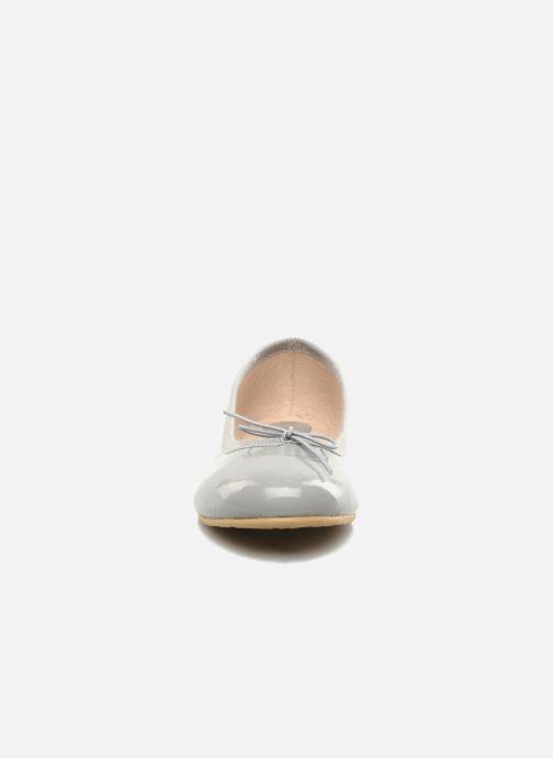Ballerines Bloch Girls Chacha Gris vue portées chaussures
