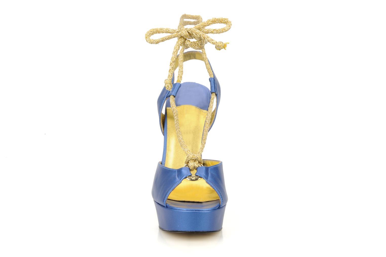 Sandali e scarpe aperte Terry de Havilland Lisette Azzurro modello indossato