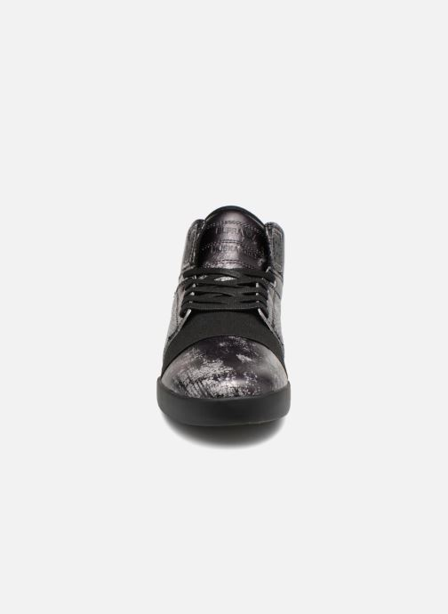Sport shoes Supra Skytop III Black model view