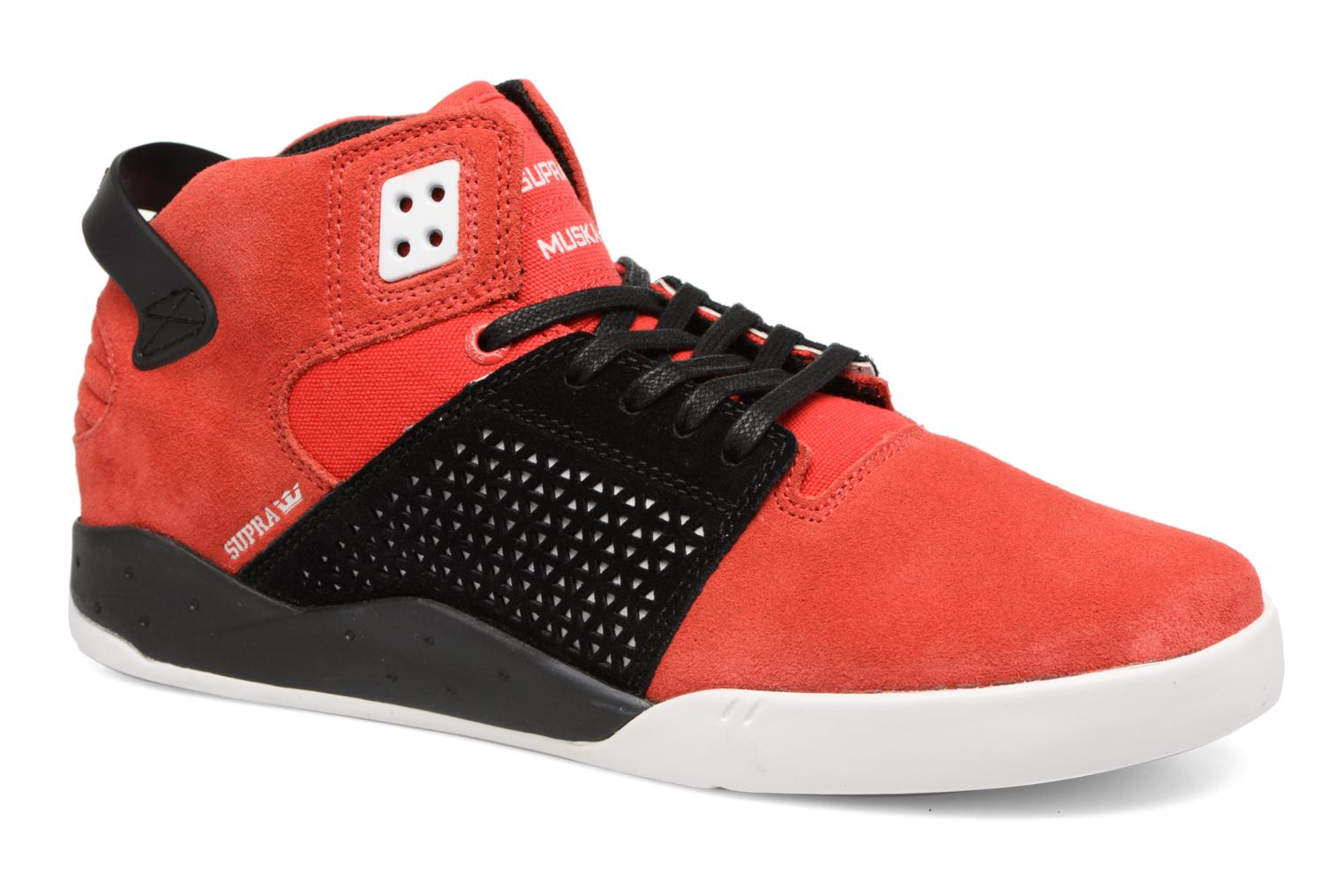 Sport shoes Supra Skytop III Red detailed view/ Pair view