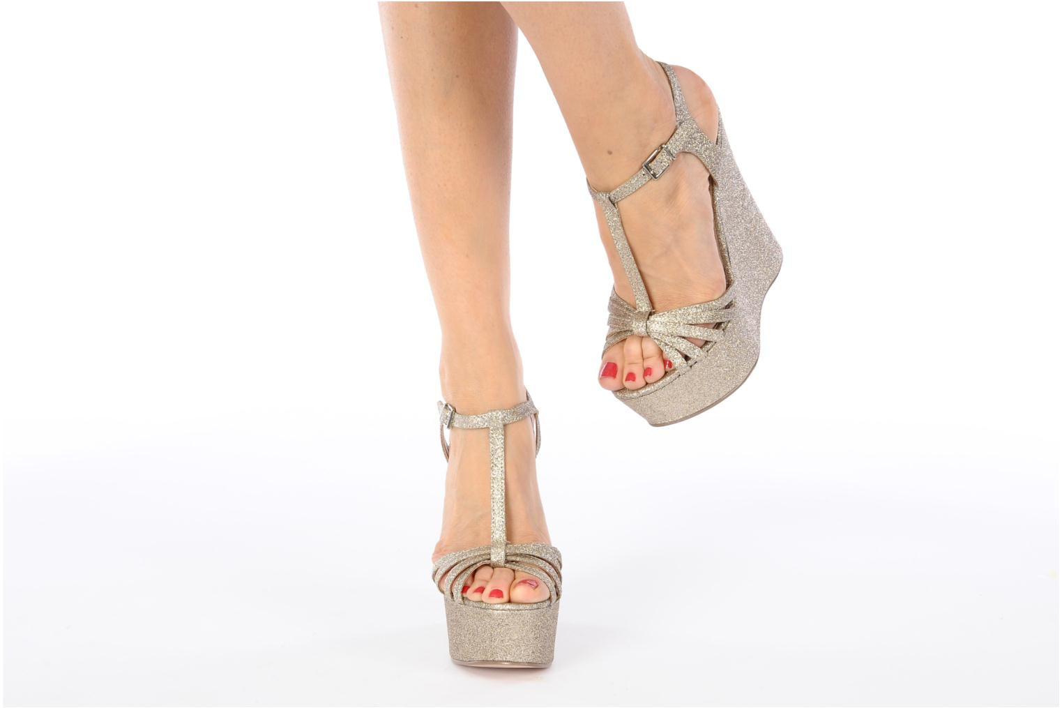 Sandals Carvela GLOWORM Beige view from underneath / model view