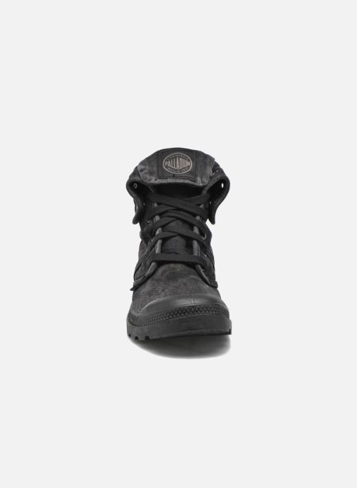 Sneakers Palladium Pallabrousse Baggy H Nero modello indossato