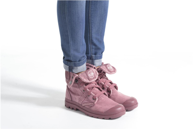 Sneaker Palladium Us Baggy F beige ansicht von unten / tasche getragen