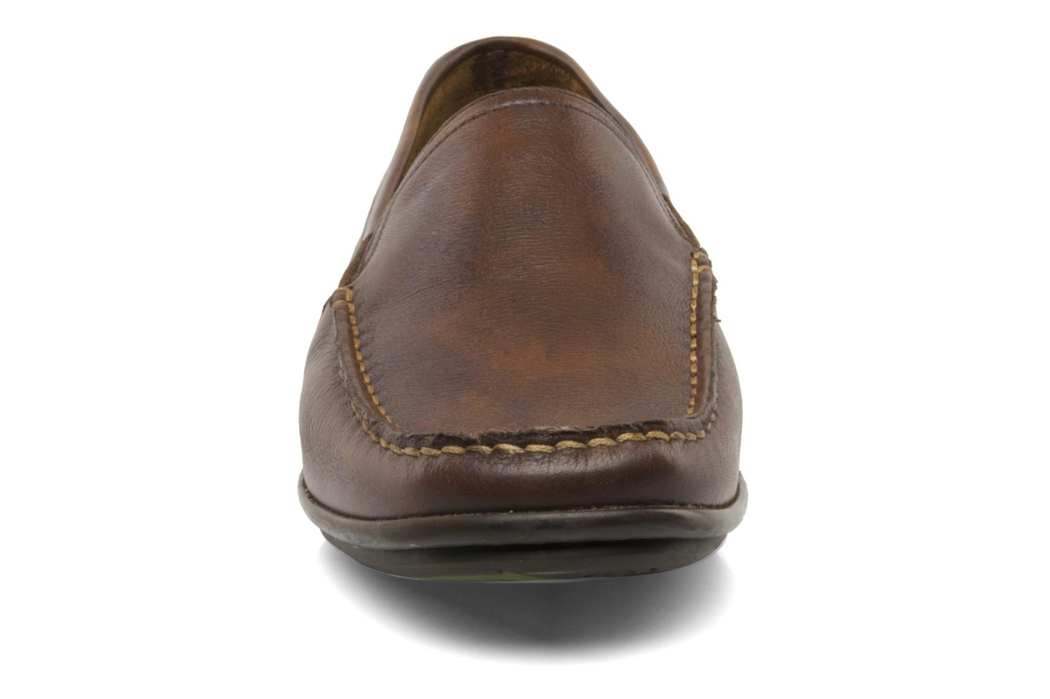 Loafers Fluchos Baltico 7149 Brown model view