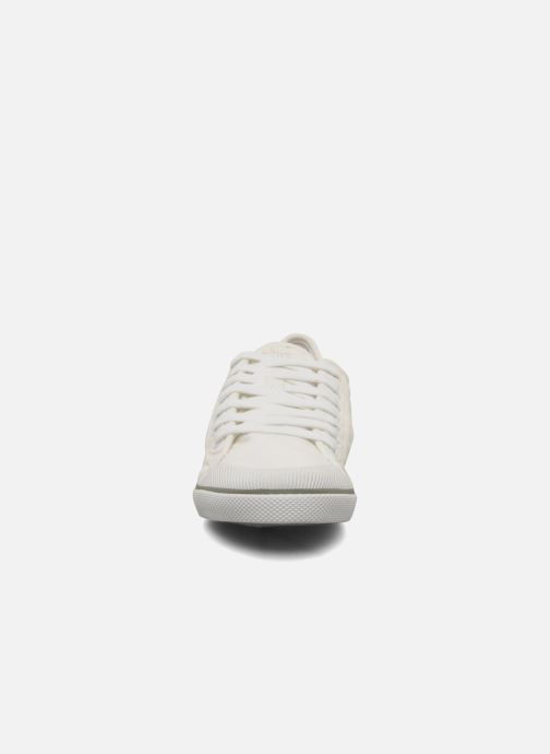 Sneakers TBS Violay Bianco modello indossato