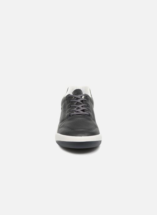 Sneakers TBS Made in France Albana Azzurro modello indossato