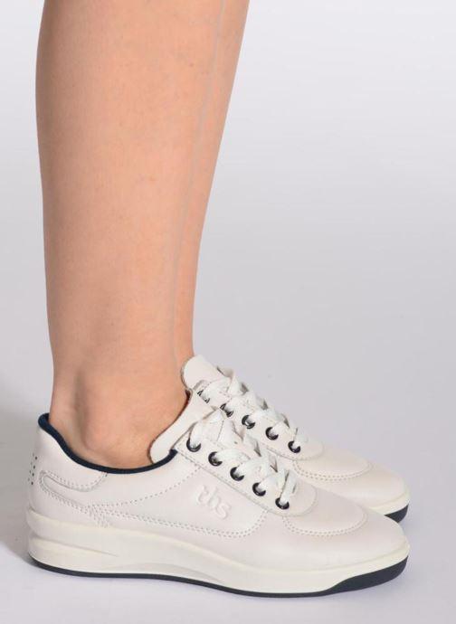 Sneaker TBS Made in France Brandy grau ansicht von unten / tasche getragen