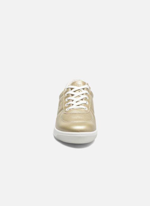 Sneakers TBS Made in France Brandy Oro e bronzo modello indossato