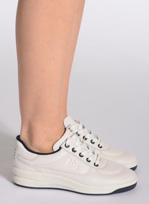 Sneaker TBS Made in France Brandy schwarz ansicht von unten / tasche getragen