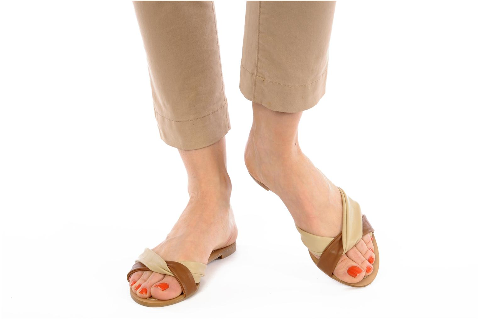 Mules & clogs Chocolate Schubar Abby Beige view from underneath / model view