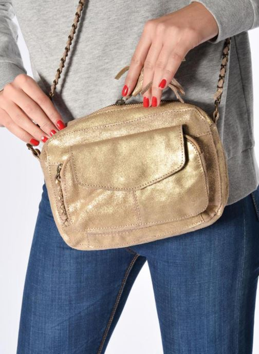Handbags Pieces Naina Leather Crossover Brown view from underneath / model view