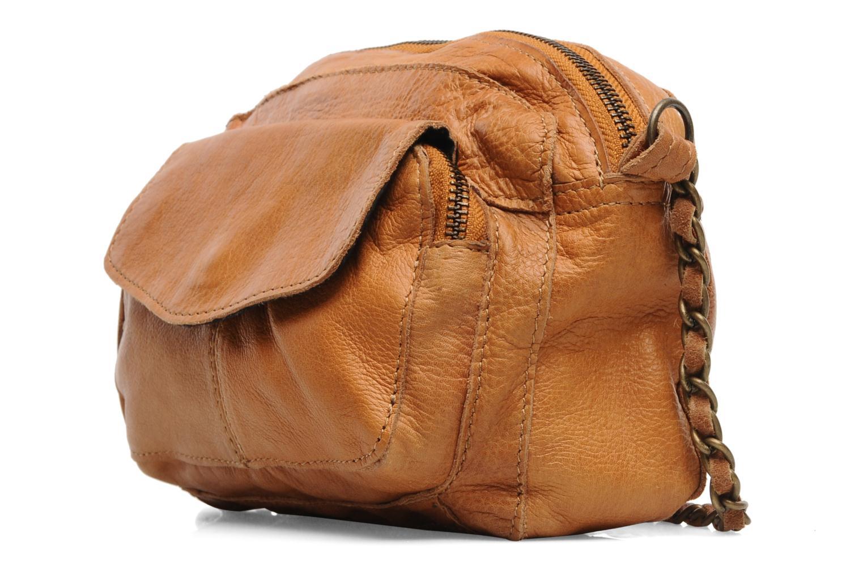 Bolsos de mano Pieces Naina Leather Crossover Marrón vista del modelo