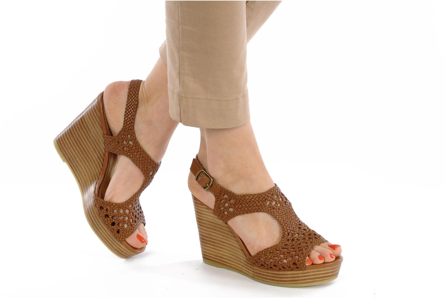 Sandals Mellow Yellow Lexic Brown view from underneath / model view