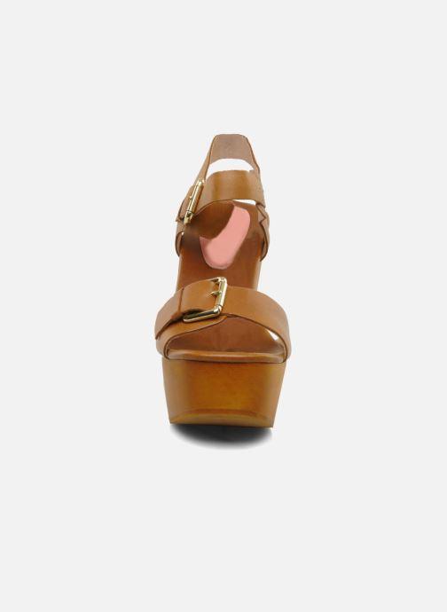 Sandalen Mellow Yellow Lupper braun schuhe getragen