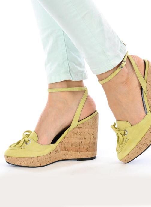 Sandales et nu-pieds Sebago & Gaspard Yurkievich Ydriss Jaune vue bas / vue portée sac