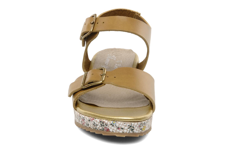 Sandales et nu-pieds C'Entre Maman & Moi! Layla Marron vue portées chaussures