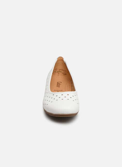 Ballerines Gabor Stéphanie Blanc vue portées chaussures