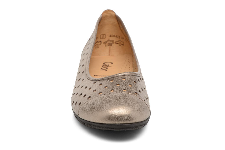 Ballerines Gabor Stéphanie Or et bronze vue portées chaussures