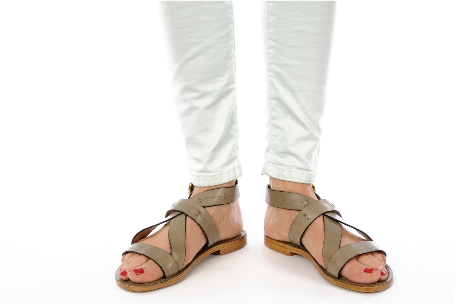 Sandals Pour La Victoire Mariza Grey view from underneath / model view