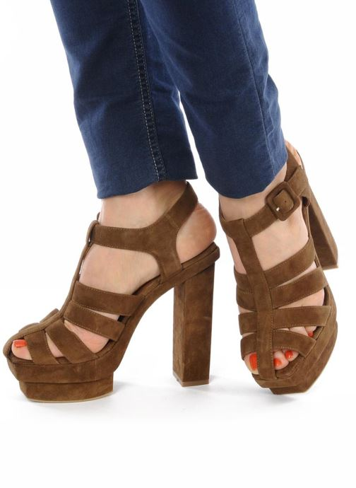 Sandals Jeffrey Campbell Eva B Brown view from underneath / model view
