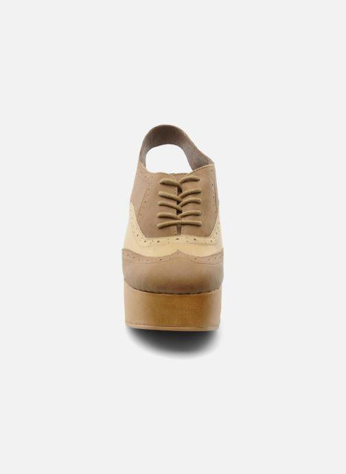 Chaussures à lacets Jeffrey Campbell Ditto Beige vue portées chaussures