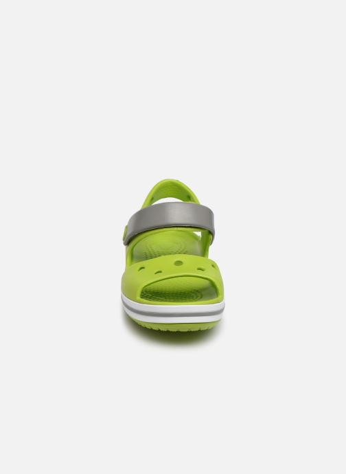 Sandalias Crocs Crocband Sandal Kids Verde vista del modelo