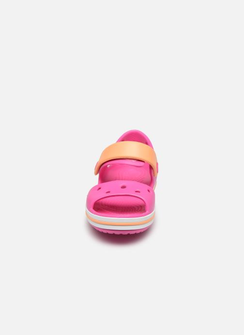 Sandalias Crocs Crocband Sandal Kids Rosa vista del modelo